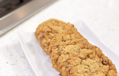 Irish Oats Cookies with Craisins and Chocolate